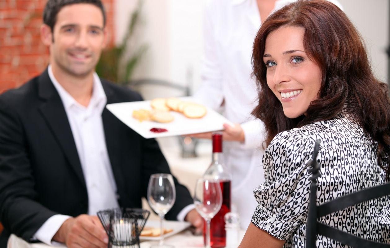 Romanttinen illallinen mielitietylle syntyy näillä Kotikokki.netin ohjeilla.