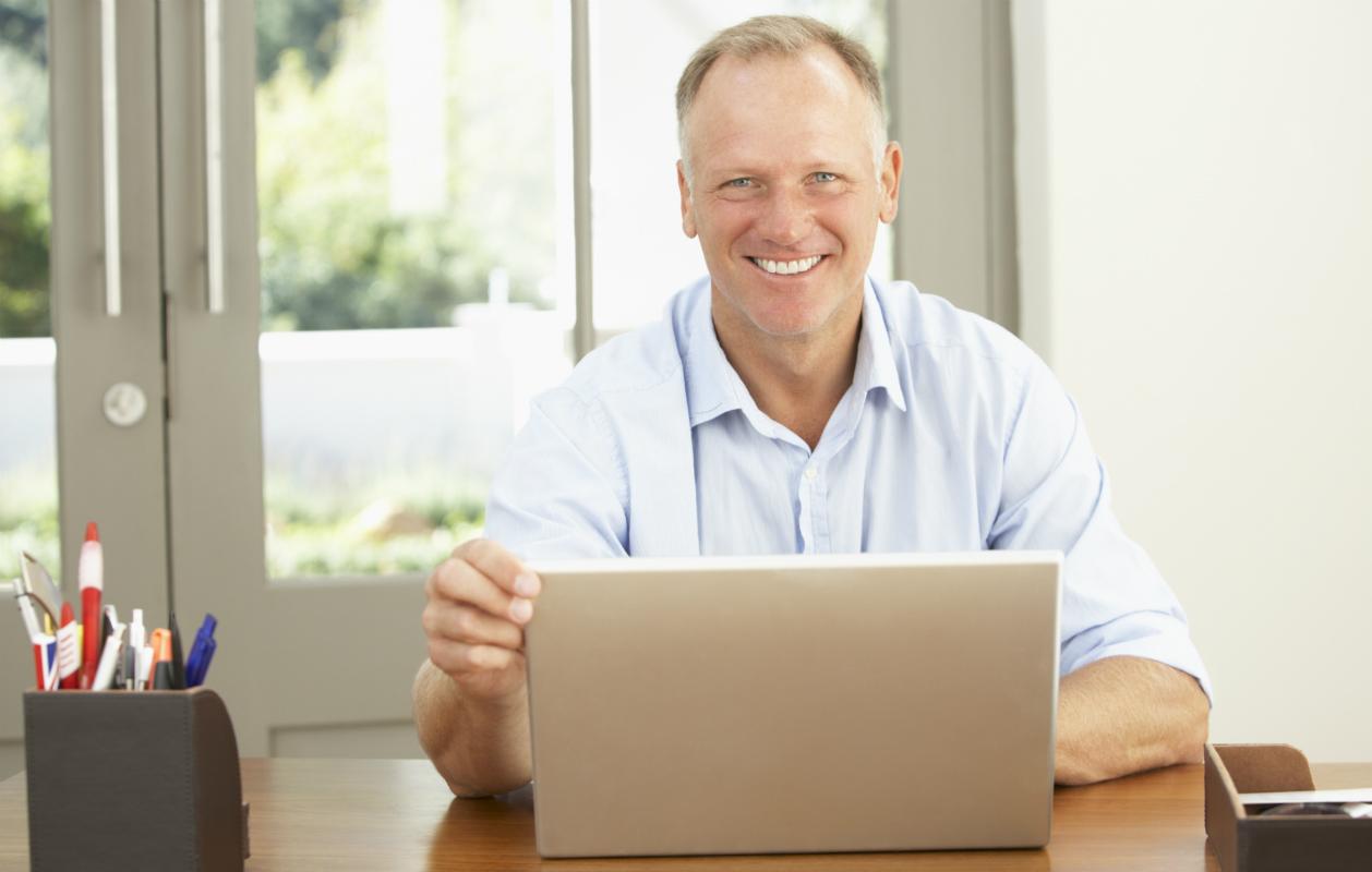Miehillä korostuu naisia enemmän ulkonäkö hakukriteereissä nettideittiprofiilissa.