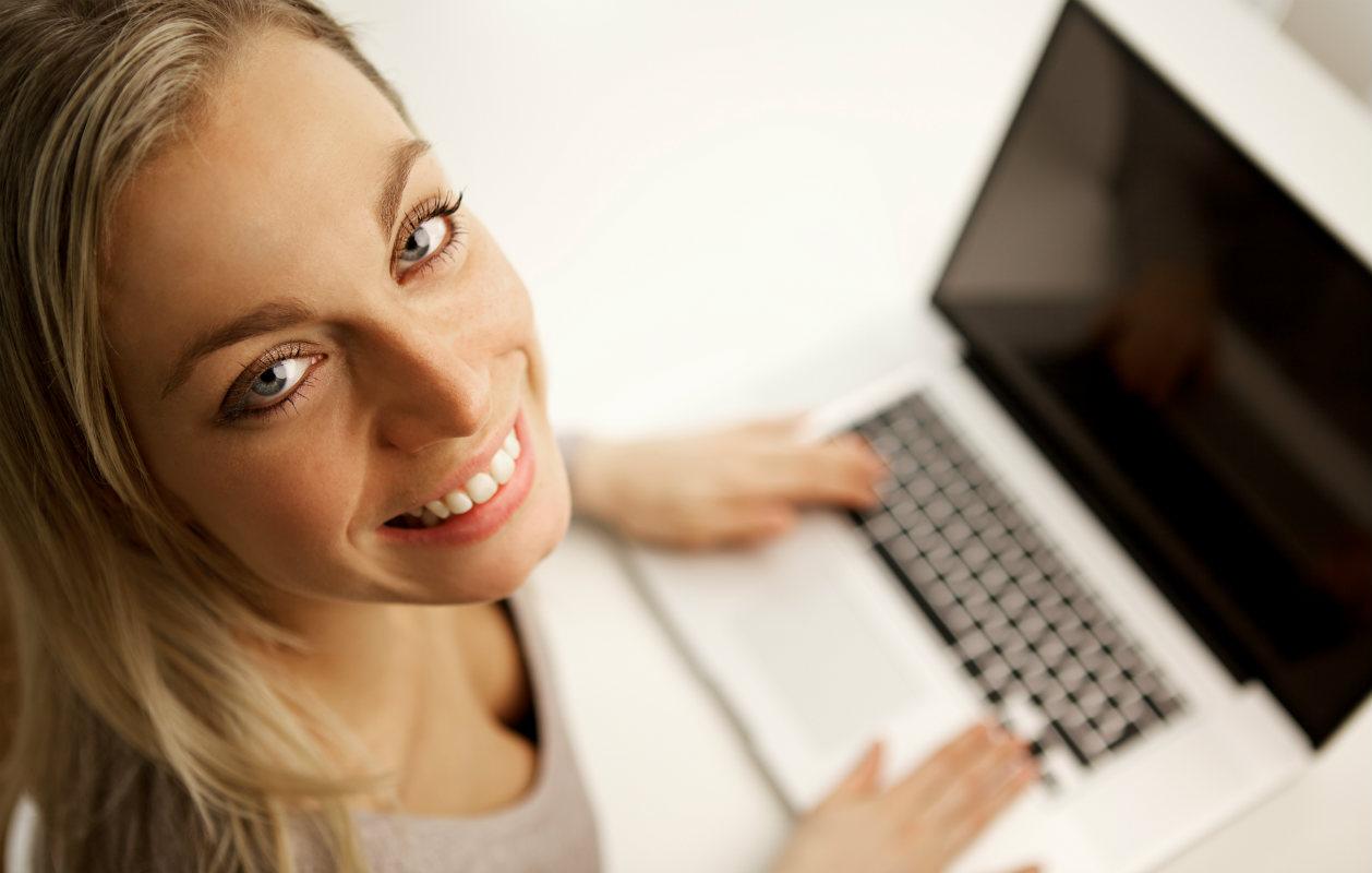 Kehu itseäsi estoitta nettideittiprofiilissasi, vaatimattomuus ei kaunista!