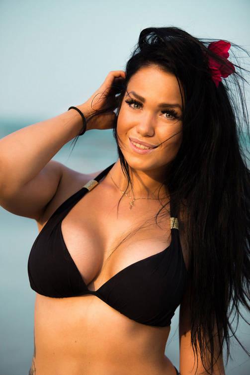 Temptation Island -sarjan Janita on tuttu myös Big Brother -ohjelmasta.